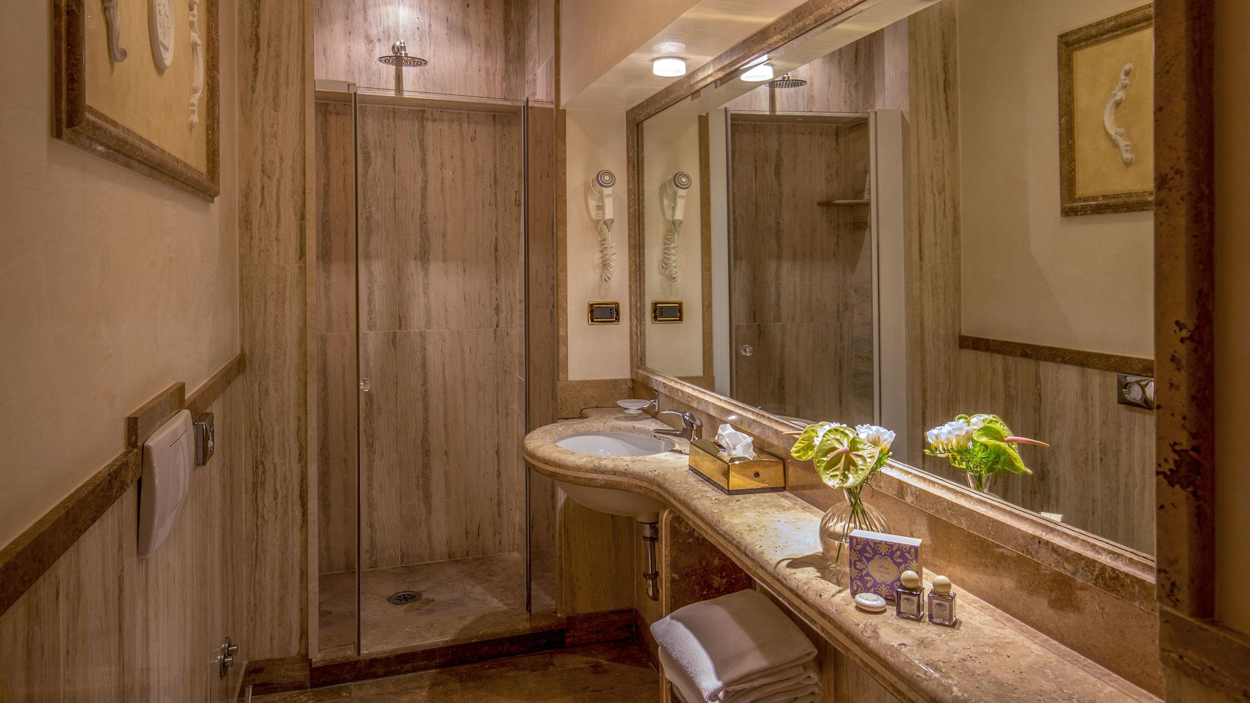 albergo-ottocento-rome-bathroom-16