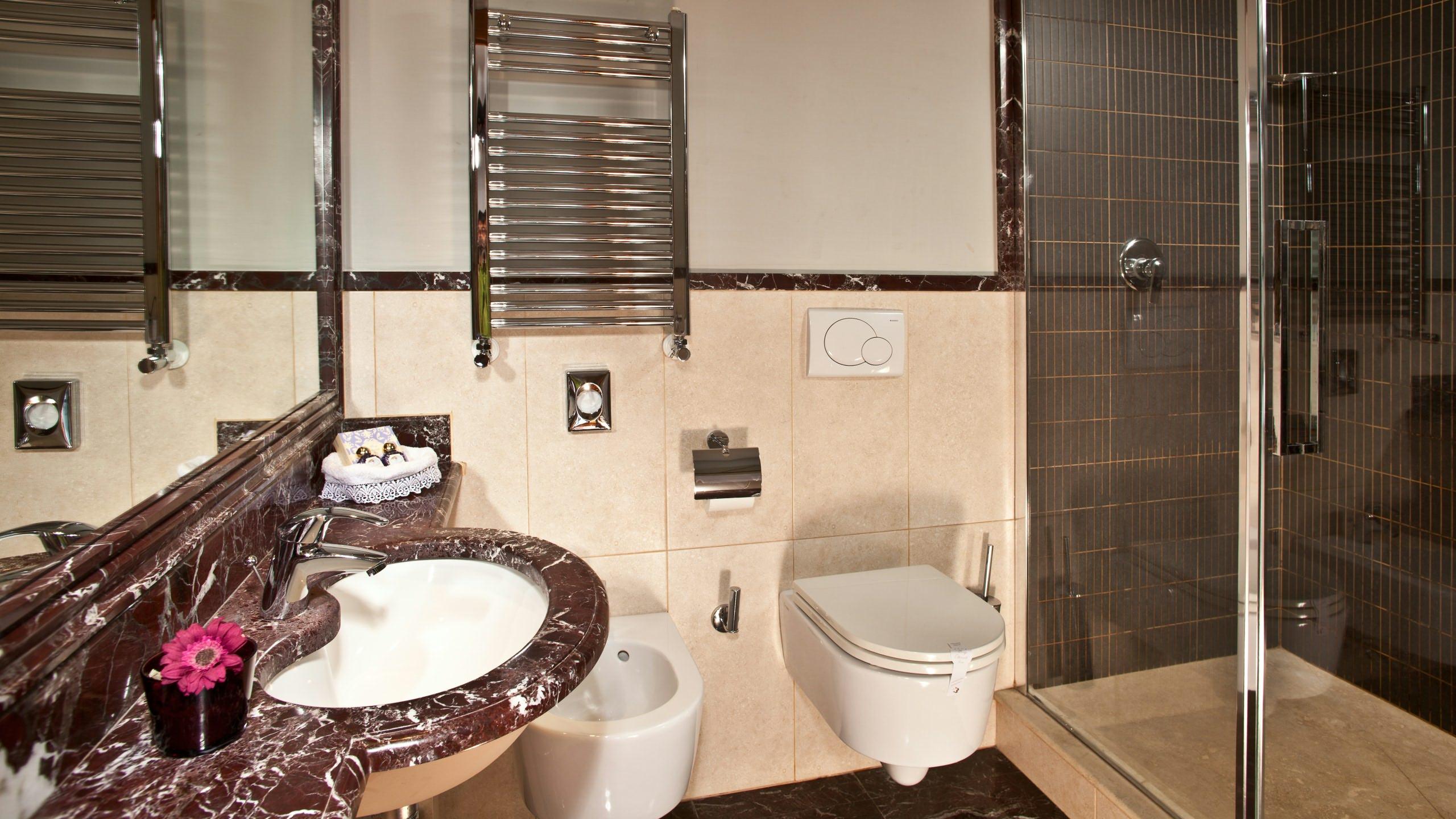 albergo-ottocento-rome-bathroom-21