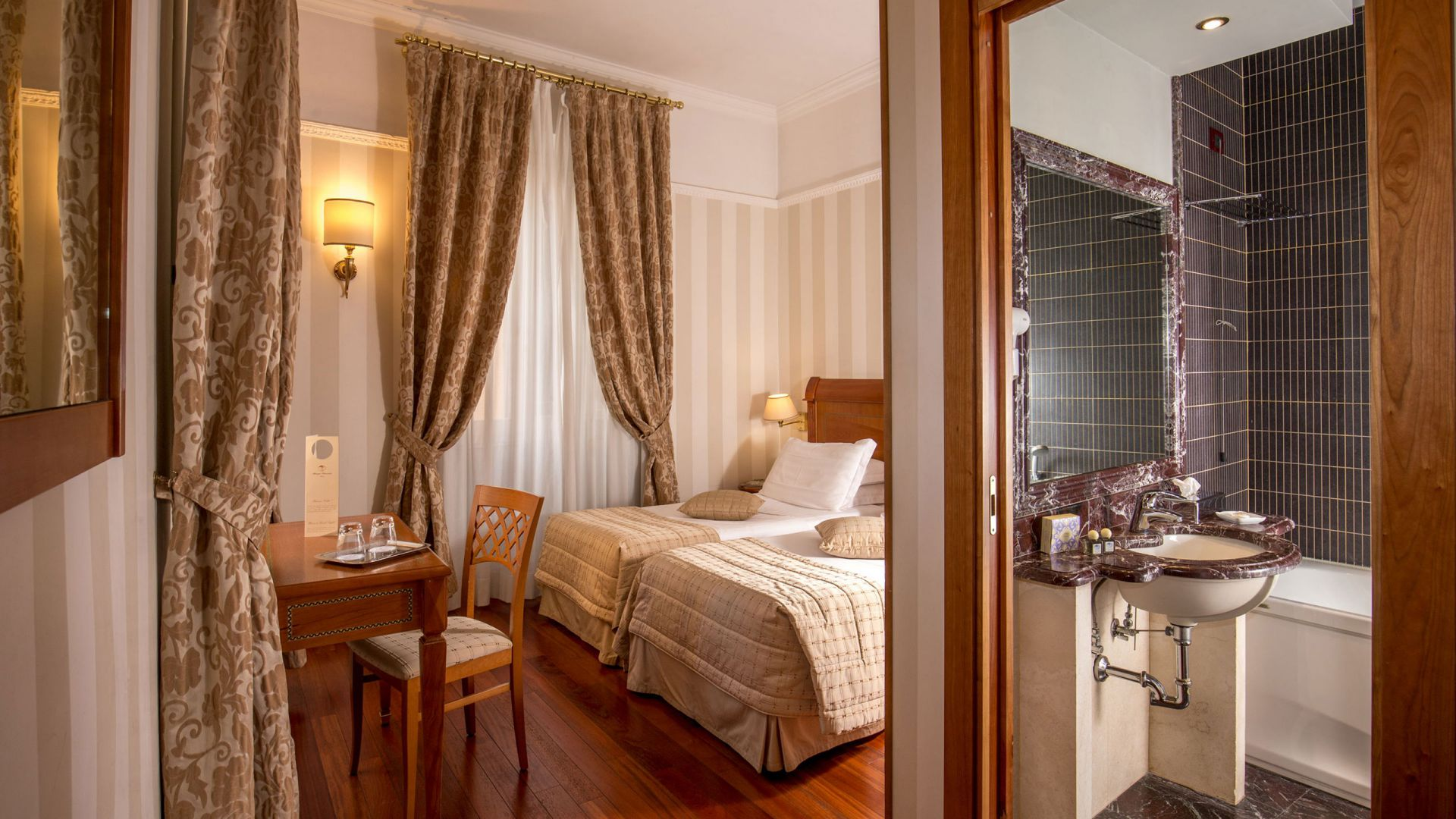 albergo-ottocento-rome-chambre-double-deluxe-09