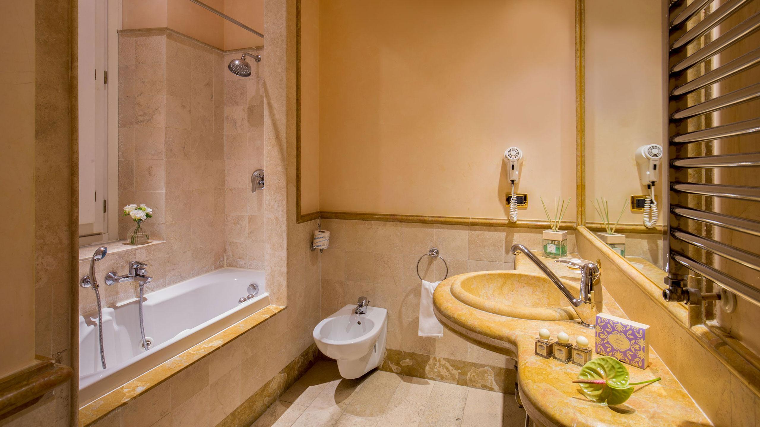 albergo-ottocento-rome-bathroom-15