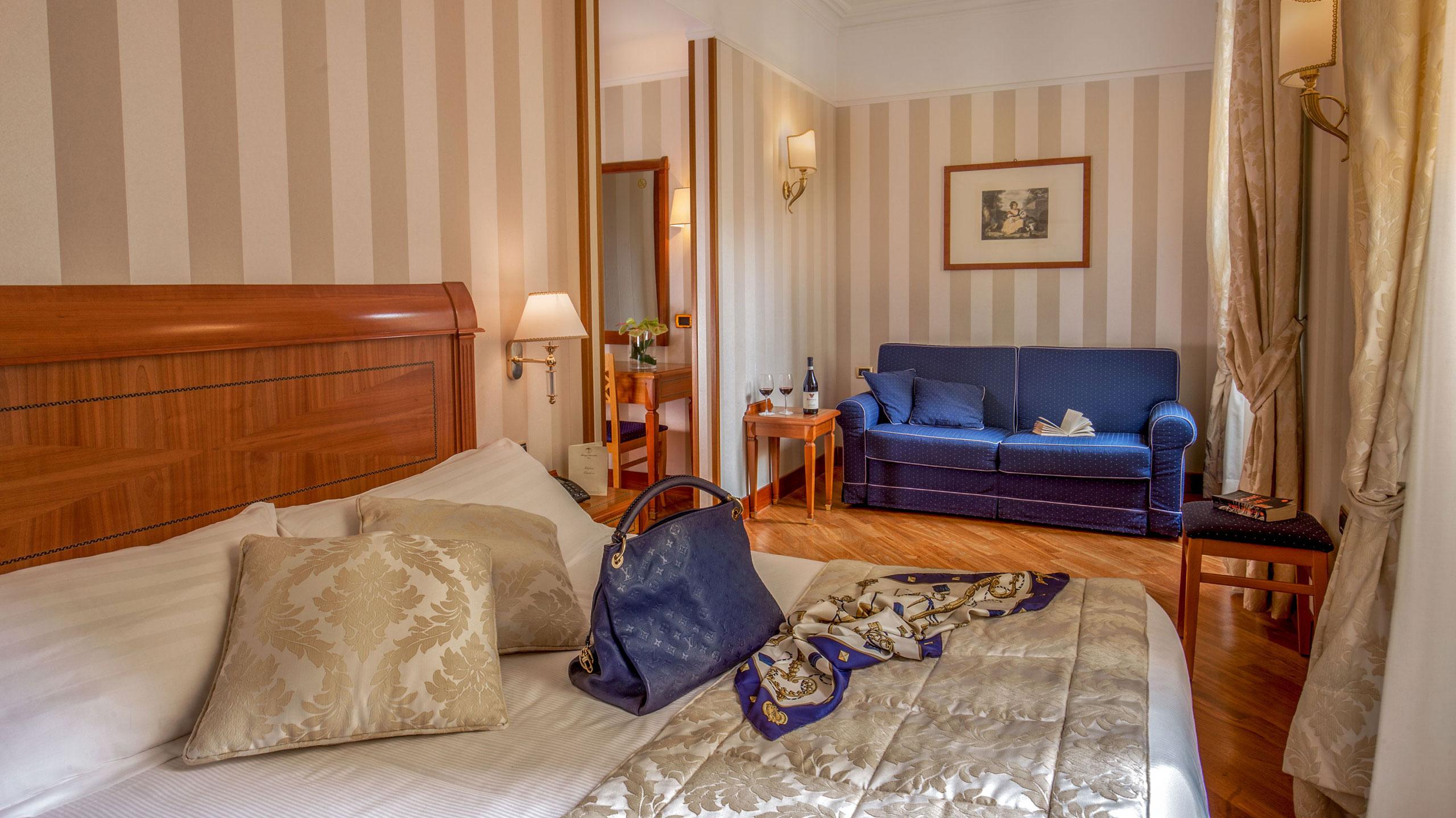 albergo-ottocento-rome-triple-room-deluxe-11