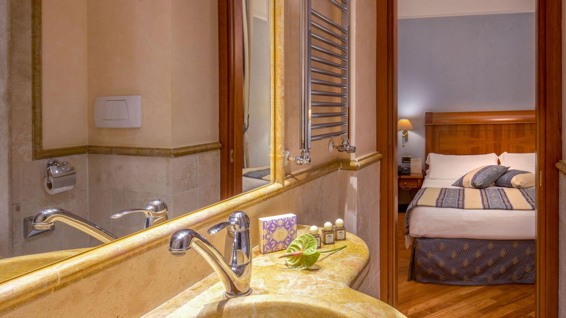 albergo-ottocento-rome-chambre-double-classic-02