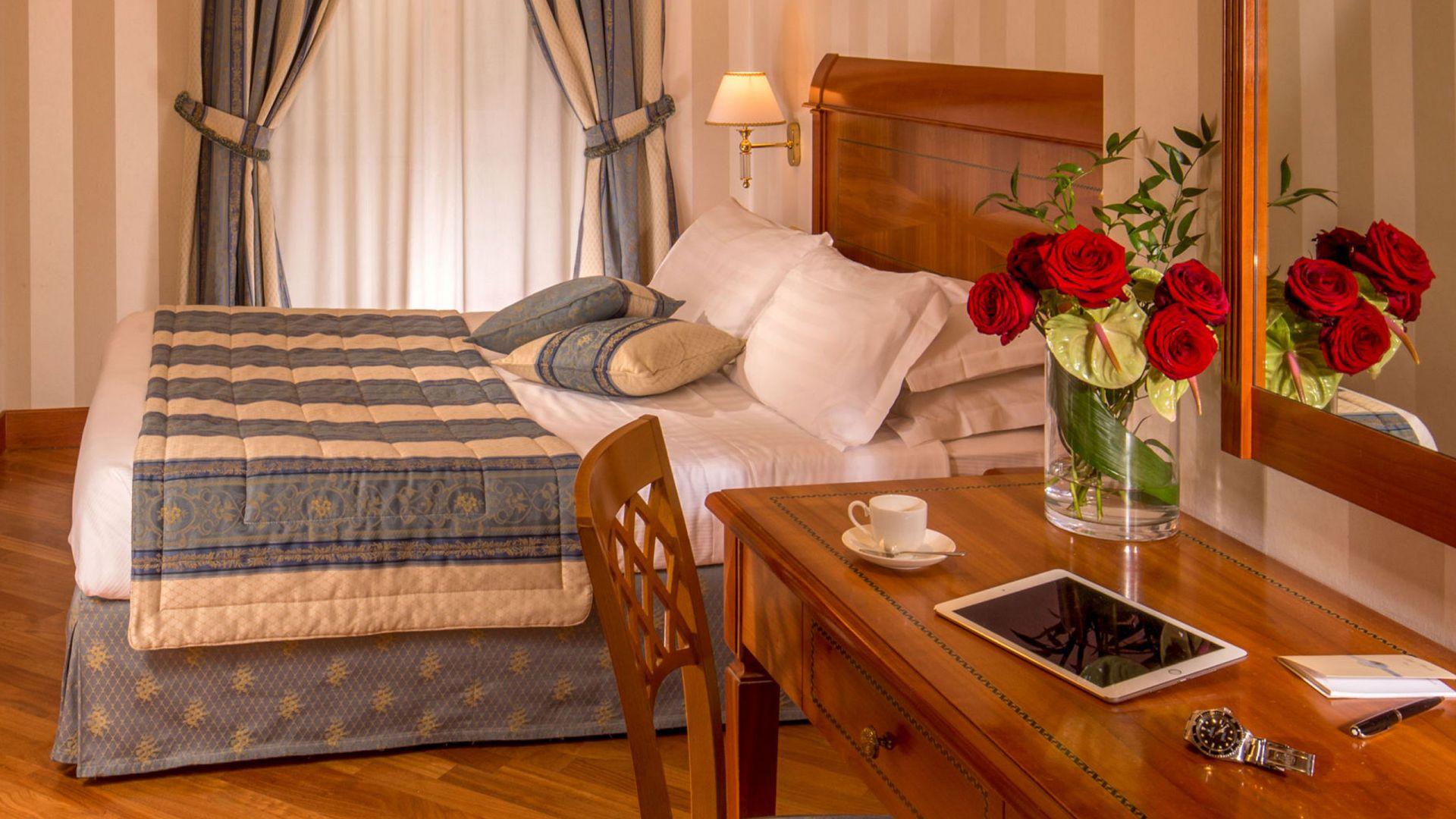 albergo-ottocento-rome-chambre-double-classic-03